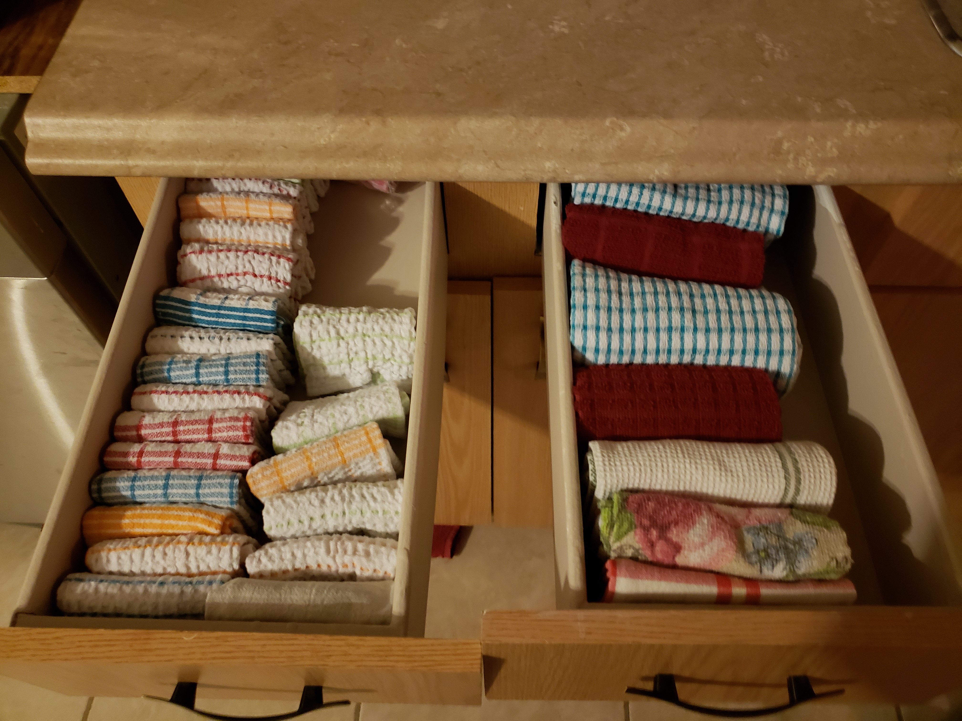 Watch Konmari Folding For Towels And Washcloths My Marie Kondo Journey To Tidy Up And Spark Joy On Youtube Gyst2020